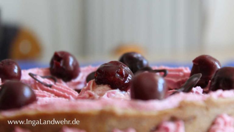 Kirschkäsekuchenfür den National Cherry Cheesecake Day